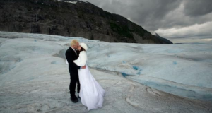 wedding-on-a-glacier